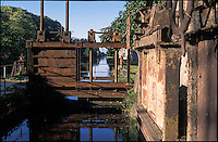 Rozzano (Milano), prese della vecchia filanda sul Naviglio Pavese --- Rozzano (Milan),  the old spinning mill on the canal Naviglio Pavese