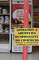 Campinas (SP), 14/05/2020 - Comércio - Comerciantes da cidade de Campinas, interior de São Paulo, colaram cartazes apoiando a abertura do comércio na cidade. O relaxamento da quarentena comecou nesta semana, entre eles está a liberação do comércio para trabalhar com esquema de delivery e drive-thru e também a autorização da reabertura de concessionárias de veículos e lojas que vendem insumos para o atendimento de oficinas mecânicas.