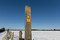 25-1-2021 Public footpath sign in Lincolnshire <br /> ©Tim Scrivener Photographer 07850 303986<br />      ....Covering Agriculture In The UK....