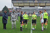 Chloe Van Mingeroet (17) of Eendracht Aalst , assistant referee Ella De Vries , referee Irmgard Van Meirevenne , Lenie Onzia (8) of OHL and assistant referee Michele Seeldrayers pictured before a female soccer game between Eendracht Aalst and OHL on the 13 th matchday of the 2020 - 2021 season of Belgian Scooore Womens Super League , Saturday 6 th of February 2021  in Aalst , Belgium . PHOTO SPORTPIX.BE   SPP   STIJN AUDOOREN