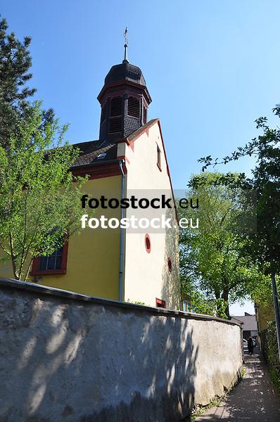 Ev. Pfarrkirche (18. Jh.), barocker Saalbau, Kirchhofmauer (19. Jh.) in Gensingen