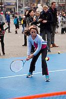 05-04-12, Netherlands, Amsterdam, Tennis, Daviscup, Netherlands-Rumania, Draw, Straattennis