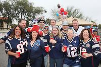 Gute Stimmung unter den zahlreichen Patriots Fans - New England Patriots Fanclub Arizona Fan Rally in Phoenix