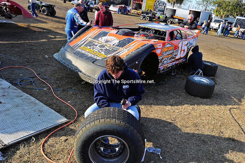 Feb 11, 2011; 4:17:46 PM; Gibsonton, FL., USA; The Lucas Oil Dirt Late Model Racing Series running The 35th annual Dart WinterNationals at East Bay Raceway Park.  Mandatory Credit: (thesportswire.net)