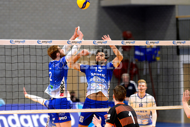 30-01-2021: Volleybal: Amysoft Lycurgus v Talentteam Papendal: Groningen setup Lycurgus speler Luke Herr naar Lycurgus speler Hossein Ghanbari