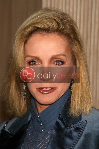 Donna Mills<br />at the Friends of the Los Angles Free Clinic Annual Dinner Gala. Beverly Hilton Hotel, Beverly Hills, CA. 11-20-06<br />Dave Edwards/DailyCeleb.com 818-249-4998