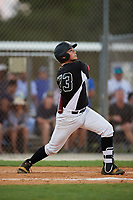 Hunter Marsh during the WWBA World Championship at the Roger Dean Complex on October 18, 2018 in Jupiter, Florida.  Hunter Marsh is a third baseman from Hoschton, Georgia who attends Winder-Barrow High School.  (Mike Janes/Four Seam Images)