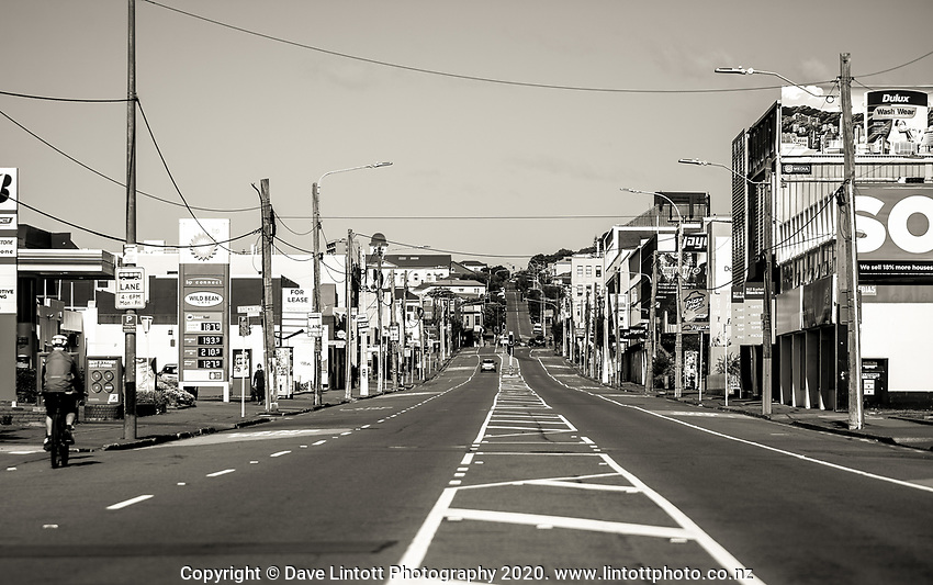 Adelaide Road on Easter Monday during lockdown for the COVID19 pandemic in Wellington, New Zealand on Monday, 13 April 2020. Photo: Dave Lintott / lintottphoto.co.nz