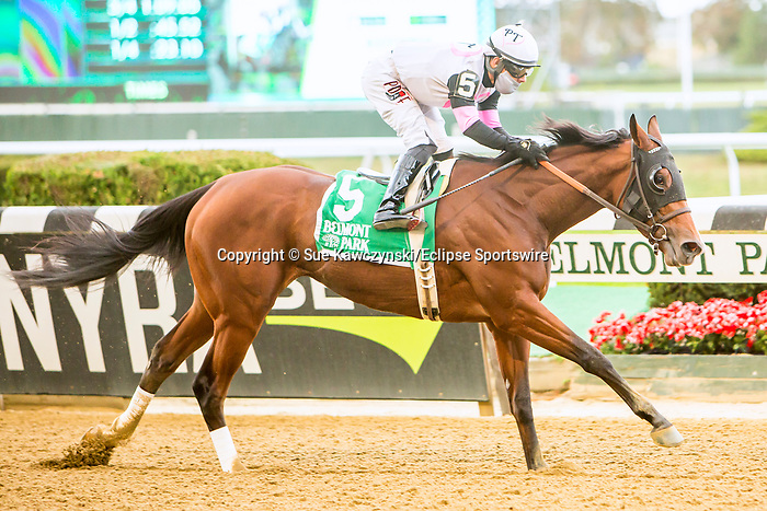 OCT 04, 2020 : Horologist with Javier Castellano aboard, wins the Grade 2 Beldame Stakes, for fillies & mares, going 1 1/8 mile at Belmont Park, Elmont, NY.  Sue Kawczynski/Eclipse Sportswire/CSM