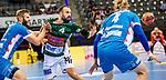 Tim Kneule (FRISCH AUF! Goeppingen #4) ; li: Samuel Roethlisberger (TVB Stuttgart #17) ; re: Elmar Asgeirsson (TVB Stuttgart #4) ;  BGV Handball Cup 2020 Finaltag: TVB Stuttgart vs. FRISCH AUF Goeppingen am 13.09.2020 in Stuttgart (PORSCHE Arena), Baden-Wuerttemberg, Deutschland<br /> <br /> Foto © PIX-Sportfotos *** Foto ist honorarpflichtig! *** Auf Anfrage in hoeherer Qualitaet/Aufloesung. Belegexemplar erbeten. Veroeffentlichung ausschliesslich fuer journalistisch-publizistische Zwecke. For editorial use only.