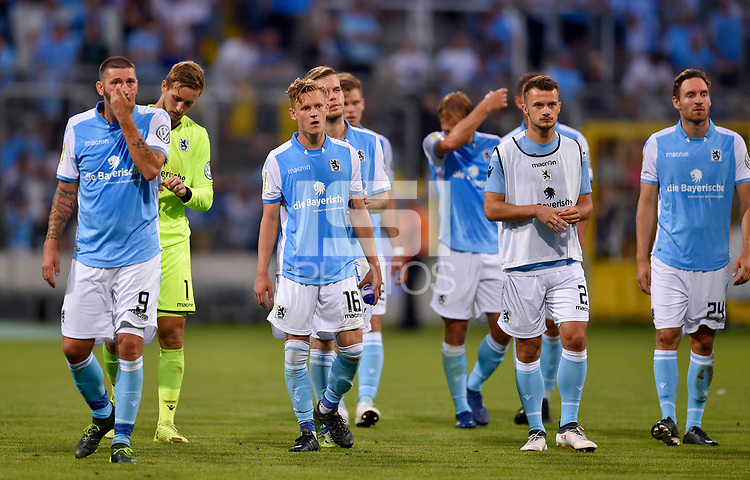 19.08.2018, Football DFB Pokal 2018/2019, 1. round, Tsv 1860 Muenchen - Holstein Kiel, Gruenwalderstadium Muenchen. Die 60ger Spieler sind  dejected  Sascha Moelders (TSV 1860 Muenchen), goalkeeper Marco Hiller (TSV 1860 Muenchen), Benjamin Kindsvater (TSV 1860 Muenchen), Daniel Wein (1860 Muenchen), Eric Weeger (TSV 1860 Muenchen) and Markus Ziereis (1860 Muenchen) <br /><br /><br />***DFB rules prohibit use in MMS Services via handheld devices until two hours after a match and any usage on internet or online media simulating video foodaye during the match.*** *** Local Caption *** © pixathlon<br /> <br /> Contact: +49-40-22 63 02 60 , info@pixathlon.de