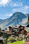 Switzerland, Canton Valais, Grimentz: resort at Val d'Anniviers, at background summit of Sex de Marinda (2.906 m) | Schweiz, Kanton Wallis, Grimentz: Ferienort im Val d'Anniviers, im Hintergrund der Sex de Marinda (2.906 m)