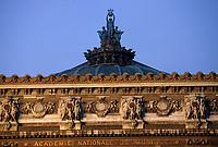 Europe/France/Ile-de-France/75008/Paris: Détail architecture de l'Opéra de Paris // Europe / France / Ile-de-France / 75008 / Paris: Architectural detail of the Paris Opera