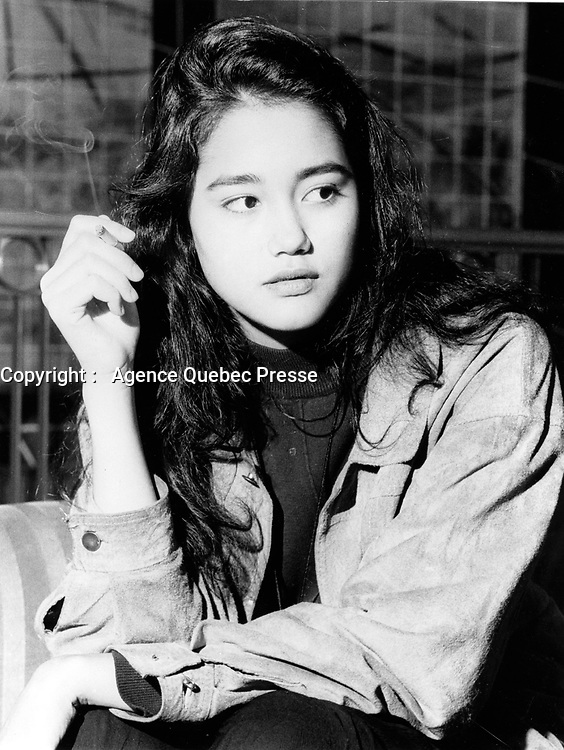 Montreal (Qc) CANADA - 1991 File Photo -Sandra Holt, actress in black robe<br /> <br /> PHOTO :  Agence Quebec Presse