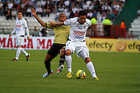 MANIZALES -COLOMBIA, 19-05-2013. Omar Rodriguez (D) del Once Caldas disputa el balón con Nelson Barahona ( I) del Itagüi durante partido de la fecha 16 Liga Postobón 2013-1./ Omar Rodriguez  (R ) of Once Caldas fights for the ball with Nelson Barahona( L ) of Itagüi during match of the 16th date of Postobon  League 2013-1. Photo: VizzorImage/JJ Bonilla/STR