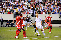 Panama goalkeeper Jaime Penedo (1) grabs a pass. The United States (USA) defeated Panama (PAN) 2-1 during a quarterfinal match of the CONCACAF Gold Cup at Lincoln Financial Field in Philadelphia, PA, on July 18, 2009.