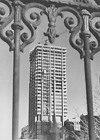 1968 FILE PHOTO - ARCHIVES -<br /> <br /> 1968 FILE PHOTO -<br /> <br /> A time-machine glimpse of Toronto is captured by Star photographer Boris Spremo. Seen through the 115-year-old railings of Osgoode Hal the $20 million Simpson Tower reaches skyward. The 33-storey building will be completed this summer. The historic railings remain despite various attempts to have them removed.