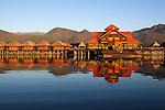 Myanmar, (Burma), Shan State, Inle Lake: Golden Island Cottages 2 | Myanmar (Birma), Shan Staat, Inle See: Golden Island Cottages 2