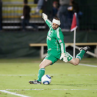 SANTA CLARA, CA – OCTOBER 16: San Jose Earthquake goalie Jon Busch (19) during a soccer match at Buck Shaw Stadium, October 16, 2010 in Santa Clara, California. Final score San Jose Earthquakes 0, Houston Dynamo 1.