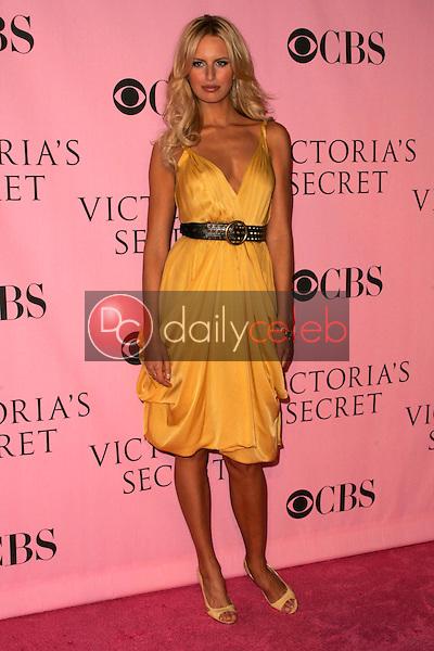 Karolina Kurkova<br />arriving at The Victoria's Secret Fashion Show. Kodak Theatre, Hollywood, CA. 11-16-06<br />Dave Edwards/DailyCeleb.com 818-249-4998