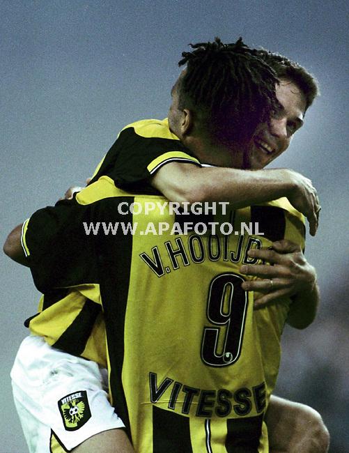 Arnhem,03-20-99  foto:Koos Groenewold<br />Sikora en van Hooijdonk zijn blij met de overwinning op NEC