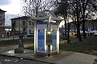 """- Milano, quartiere Ortica, """"Casa dell'Acqua"""", distributore pubblico di acqua potabile purificata installato a cura del Comune<br /> <br /> - Milan, Ortica district, """"Water house"""", public distributor of purified drinking water installed by the Municipality"""