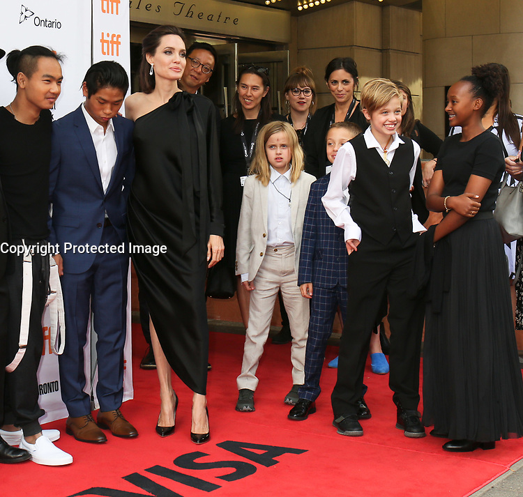 ANGELINA JOLIE WITH HER CHILDREN MADDOX, PAX, VIVIENNE, KNOX, SHILOH AND ZAHARA - RED CARPET OF THE FILM 'FIRST THEY KILLED MY FATHER' - 42ND TORONTO INTERNATIONAL FILM FESTIVAL 2017