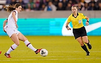 HOUSTON, TX - JANUARY 31: Andi Sullivan #6 of the United States passes off the ball during a game between Panama and USWNT at BBVA Stadium on January 31, 2020 in Houston, Texas.