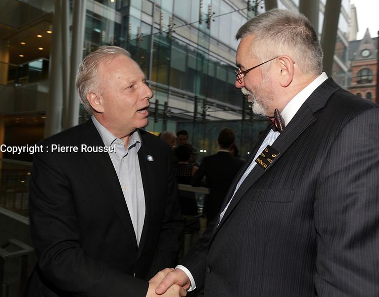 Jean-Francois Lisee  , Thierry Arnaud, President de la Chambre LGBT du Quebec au 13 ieme Gala Phenicia , 25 mai 2017