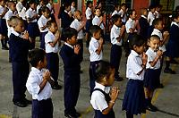 NEPAL Pokhara, tibetan refugee camp Prithvi, tibetan children in school / NEPAL Pokhara, tibetisches Fluechtlingslager Prithivi, tibetische Kinder in Schule