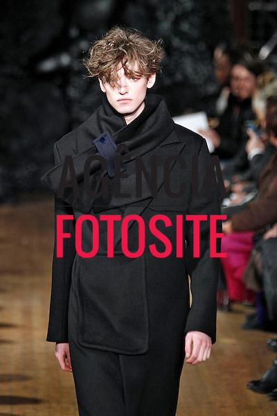 Londres, Inglaterra – 06/01/2014 - Desfile de Xander Zhou durante a Semana de moda masculina de Londres - Inverno 2014. <br /> Foto: FOTOSITE