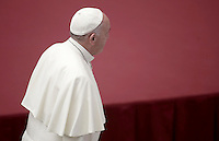 Papa Francesco arriva all'udienza ai partecipanti al Giubileo delle Persone socialmente escluse, in aula Paolo VI, Citta' del Vaticano, 11 novembre 2016.<br /> Pope Francis arrives for a Jubilee audience with people socially excluded in Paul VI hall at the Vatican 11 November, 2016.<br /> UPDATE IMAGES PRESS/Isabella Bonotto<br /> <br /> STRICTLY ONLY FOR EDITORIAL USE