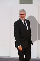 """VENICE, ITALY - SEPTEMBER 10: Stéphane Brizé on the red carpet for the movie """"Un Autre Monde"""" during the 78th Venice International Film Festival on September 10, 2021 in Venice, Italy.<br /> CAP/GOL<br /> ©GOL/Capital Pictures"""
