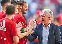 Trainer Cheftrainer Jupp HEYNCKES (FCB) celebration, <br />FC AUGSBURG -  FC BAYERN MUENCHEN<br />Football 1. Bundesliga , Augsburg,07.04.2018, 29. match day,  2017/2018, 1.Liga, 1.Bundesliga, <br /> *** Local Caption *** © pixathlon<br /> Contact: +49-40-22 63 02 60 , info@pixathlon.de