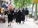 Iran 2004.Dans les rues de Sanandaj.<br /> Iran 2004.In Sanandaj's street <br />  ئیران سالی 2004 ، شه قامه کانی سنه