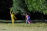 Uzes Danse Festival 2010<br /> Danses Libres<br /> Choregraphie : François Malkovsky<br /> Avec : Cecilia Bengolea, Suzanne Bodak, François Chaignaud, Lenio Kaklea, Mickael Phelippeau<br /> Le 12/06/2010<br /> Parc du Duché, Uzes<br /> © Laurent Paillier / photosdedanse.com<br /> All rights reserved