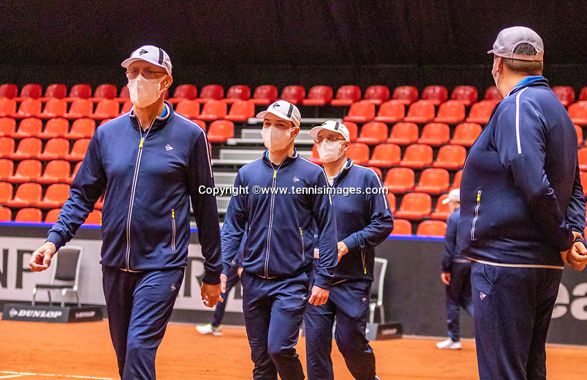 Den Bosch, The Netherlands, April 16, 2021,    Maaspoort, Billy Jean King Cup  Netherlands -  China , seccond day first match: Linespersons<br /> Photo: Tennisimages/Henk Koster
