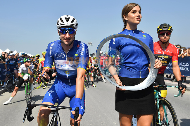 Race leader Elia Viviani (ITA) Quick-Step Floors lines up before the  start of Stage 5 The Meraas Stage final stage of the Dubai Tour 2018 the Dubai Tour's 5th edition, running 132km from Skydive Dubai to City Walk, Dubai, United Arab Emirates. 10th February 2018.<br /> Picture: LaPresse/Massimo Paolone   Cyclefile<br /> <br /> <br /> All photos usage must carry mandatory copyright credit (© Cyclefile   LaPresse/Massimo Paolone)