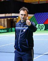 04-04-12, Netherlands, Amsterdam, Tennis, Daviscup, Netherlands-Rumania, training, de Roemeense captain Ciprian Porumb