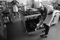 - carcere di Bergamo, le cucine (1983)<br /> <br /> - Bergamo jail, the kitchens (1983)