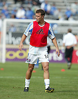 24 October 2004: Jack Jewsbury of Wizards warms up before the game against Earthquakes  at Spartan Stadium in San Jose, California.   Earthquakes defeated Wizards, 2-0.  Credit: Michael Pimentel / ISI