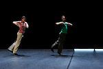 LES MODULABLES..Fibonacci fugue....Choregraphie : LEIGHTON Joanne..Costumes :..Lumières : ANNEBI Farid..Compagnie : CCN de Franche Comté à Belfort..Avec :  BAJOLET Matthieu, CARRIAU Marion, FUSCO Massimo, ISELI Alexandre, PELLERAY Edouart, SIMON Pauline..Lieu : Centre National de la danse..Ville : PANTIN..Le : 06/03/2012..© Laurent PAILLIER / photosdedanse.com..All Rights reserved