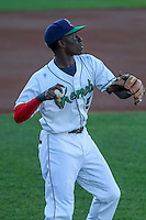 Cedar Rapids Kernels shortstop Nick Gordon (5) warms up prior to game five of the Midwest League Championship Series against the West Michigan Whitecaps on September 21st, 2015 at Perfect Game Field at Veterans Memorial Stadium in Cedar Rapids, Iowa.  West Michigan defeated Cedar Rapids 3-2 to win the Midwest League Championship. (Brad Krause/Four Seam Images)