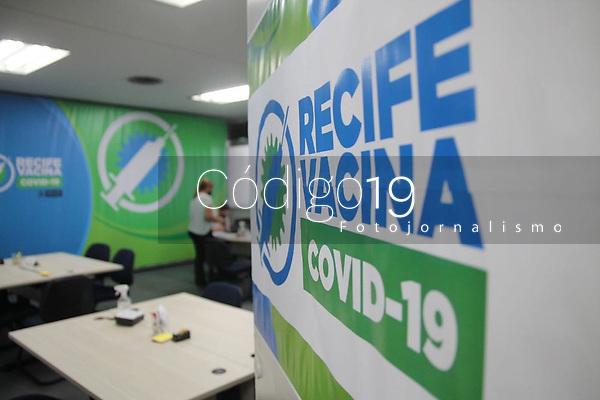 Recife (PE), 20/01/2021 - Sala de Situação do Plano Recife Vacina, nesta terça (19), o local fica no prédio sede da Prefeitura do Recife, no bairro do Recife. A Sala está dividida em quatro frentes de trabalho: Infraestrutura, Logística e Segurança, Contratação e Treinamento de Pessoal, e Cadastramento, Agendamento e comunicação, o monitoramento diário do plano de imunização é o principal objetivo do Prefeito eleito João Campos (PSB)..