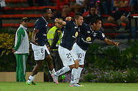 MEDELLIN-COLOMBIA, 10-08-2016. Jonathan Lucas  jugador de La Universidad Católica de Ecuador celebra su gol contra el Medellín  durante el encuentro de La Copa Sudamericana  disputado en el estadio Atanasio Girardot./ Jonathan Lucas player of Universidad Catolica de Ecuador celebrates his goal against of Medellin  match for Sudamericana Cup 2016 played at Atanasio Girardot stadium . Photo:VizzorImage / León Monsalve / Contribuidor