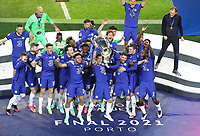 Porto, Portugal, 29th May 2021. Cesar Azpilicueta of Chelsea lifts the Champions League Trophy during the UEFA Champions League match at the Estadio do Dragao, Porto. Picture credit should read: David Klein / Sportimage PUBLICATIONxNOTxINxUK SPI-1071-0162 <br /> Oporto 29/05/2021 <br /> Champions League Final <br /> Manchester City Vs Chelsea <br /> Photo Imago/Insidefoto <br /> ITALY ONLY