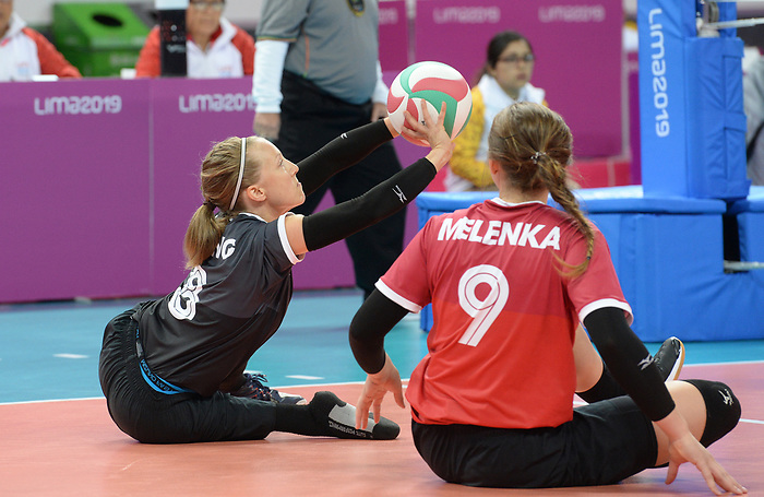 Jolan Wong and Sarah Melenka, Lima 2019 - Sitting Volleyball // Volleyball assis.<br /> Canada competes in women's Sitting Volleyball // Canada participe au volleyball assis féminin. 26/08/2019.