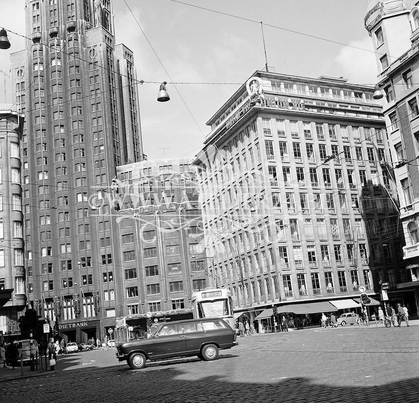 Augustus 1971. Boerentoren aan de Meirbrug in Antwerpen.