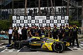 #26: Colton Herta, Andretti Autosport w/ Curb-Agajanian Honda, Team Photo