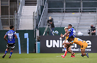 31st August 2020; Recreation Ground, Bath, Somerset, England; English Premiership Rugby, Anthony Watson offloads to Gabriel Hamer-Webb of Bath is tackled by Zach Kibirige of Wasps